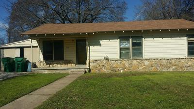 908 N LAMB ST, BOWIE, TX 76230 - Photo 1