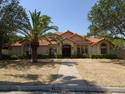 105 CARDINAL LN, Laredo, TX 78045 - Photo 1
