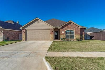 7414 MORNING GLORY RD, Abilene, TX 79602 - Photo 2