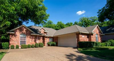1007 VILLAGE GREEN CT, Arlington, TX 76012 - Photo 2