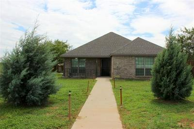 517 LENS ST, Eastland, TX 76448 - Photo 2