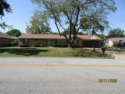 105 N CASA GRANDE CIR, Duncanville, TX 75116 - Photo 1