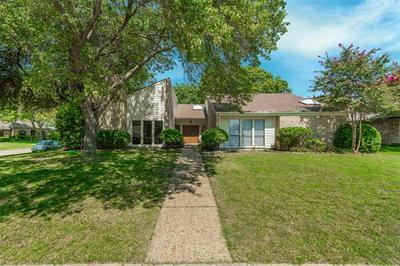 2013 TREEHOUSE LN, Plano, TX 75023 - Photo 1