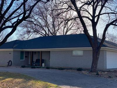 2033 ROBIN RD, Abilene, TX 79605 - Photo 1