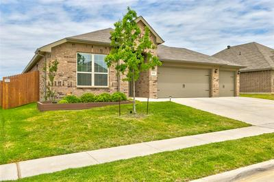 2552 WEATHERFORD HEIGHTS DR, Weatherford, TX 76087 - Photo 2