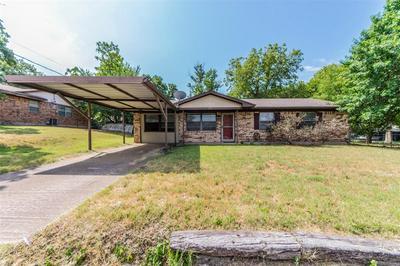 525 VINE ST, Weatherford, TX 76086 - Photo 2