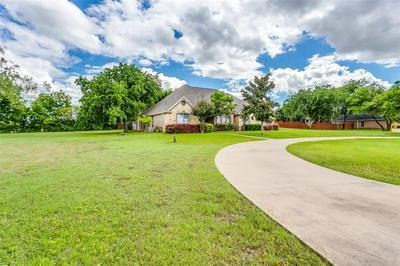 101 HERITAGE LN, Weatherford, TX 76087 - Photo 2