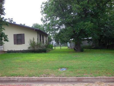 520 MESQUITE ST, Ranger, TX 76470 - Photo 2