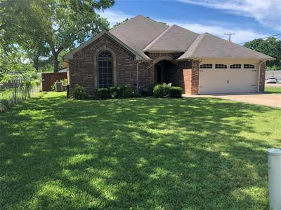 317 W MISTLETOE DR, Kennedale, TX 76060 - Photo 2