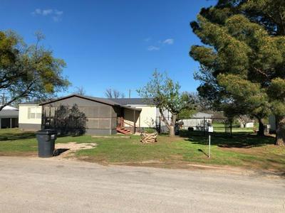 610 N BROWNING ST, Seymour, TX 76380 - Photo 1
