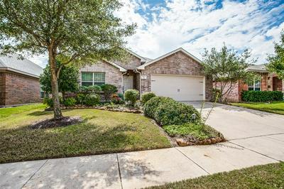 7512 FRESH SPRINGS RD, Fort Worth, TX 76120 - Photo 2