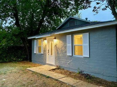 216 HALLVALE DR, White Settlement, TX 76108 - Photo 2
