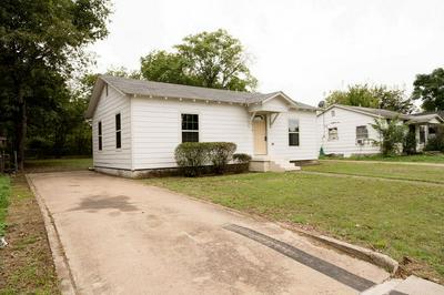 3016 FITZHUGH AVE, Fort Worth, TX 76105 - Photo 2