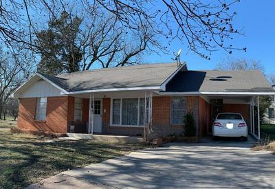 704 N MASON ST, BOWIE, TX 76230 - Photo 2
