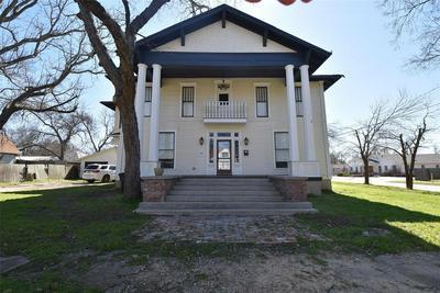 100 CORSICANA ST, HILLSBORO, TX 76645 - Photo 1