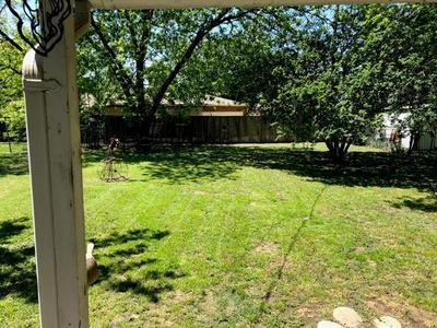 1516 N HIGHLAND AVE, Sherman, TX 75092 - Photo 2
