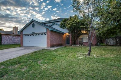 10904 FANDOR ST, Fort Worth, TX 76108 - Photo 2