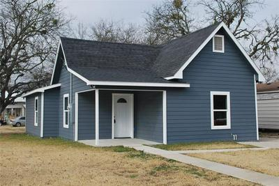 903 MILL ST, Gainesville, TX 76240 - Photo 1