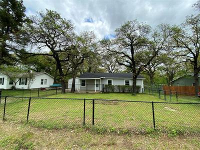 161 GORDON DR, AZLE, TX 76020 - Photo 2