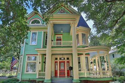 318 S DENTON ST, Gainesville, TX 76240 - Photo 1