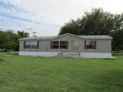 302 E SANGER ST, Celeste, TX 75423 - Photo 1