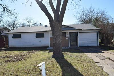 702 E 10TH ST, Coleman, TX 76834 - Photo 2