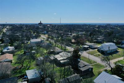 902 N CHURCH ST, DECATUR, TX 76234 - Photo 2