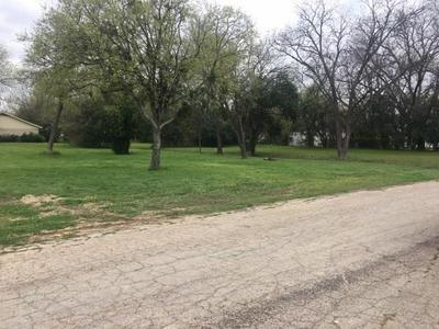 1307 W 5TH ST, CLIFTON, TX 76634 - Photo 2