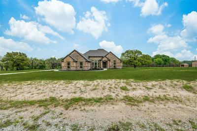 104 JAMES GOLDIE DR, Springtown, TX 76082 - Photo 2