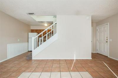102 HIGHLAND PARK CT, Irving, TX 75061 - Photo 2