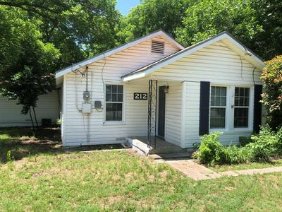 212 ALLEN ST, Weatherford, TX 76086 - Photo 1
