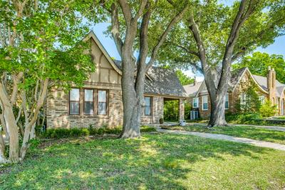 2531 S UNIVERSITY DR, FORT WORTH, TX 76109 - Photo 2