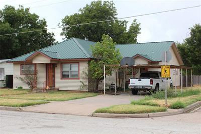 841 N 3RD AVE, Munday, TX 76371 - Photo 2