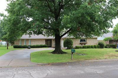 3402 BONNIE LEA ST, Greenville, TX 75402 - Photo 2
