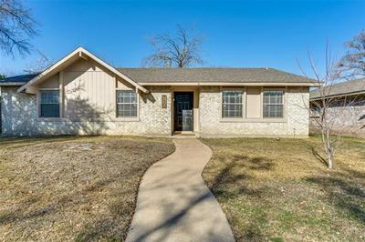 750 TEAL DR, Grand Prairie, TX 75052 - Photo 1