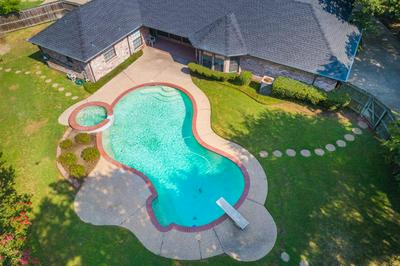 6700 HIGHLAND OAK CT, Greenville, TX 75402 - Photo 2