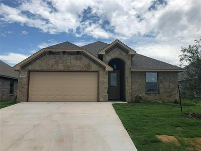 3307 ARROW CREEK DR, Granbury, TX 76049 - Photo 1