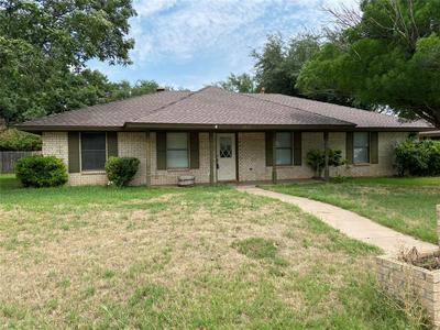 3818 WESTCHESTER DR, Abilene, TX 79606 - Photo 1