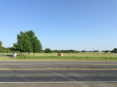 1025 NE 4TH ST, Hubbard, TX 76648 - Photo 1