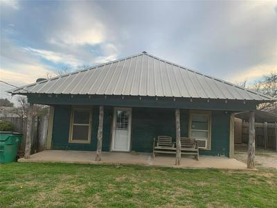 501 W ARCHER ST, JACKSBORO, TX 76458 - Photo 1