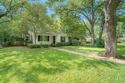 615 EASTWOOD AVE, Fort Worth, TX 76107 - Photo 1