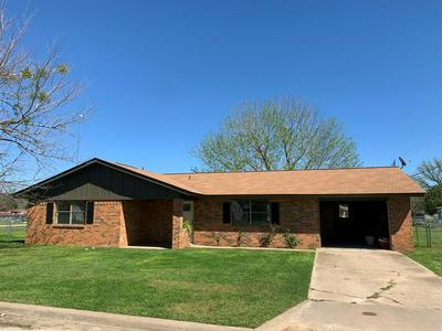 911 CHESTNUT ST, HICO, TX 76457 - Photo 1