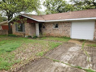 512 SLAUGHTER LN, EULESS, TX 76040 - Photo 1