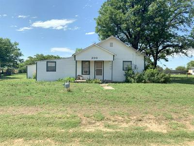 300 S 3RD ST E, Haskell, TX 79521 - Photo 1
