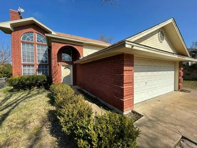 1406 WESTBRIAR DR, Weatherford, TX 76086 - Photo 1