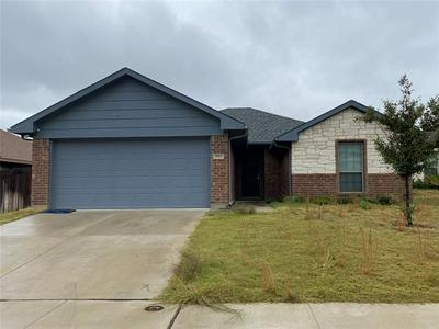2913 PACIFICO WAY, Fort Worth, TX 76111 - Photo 1