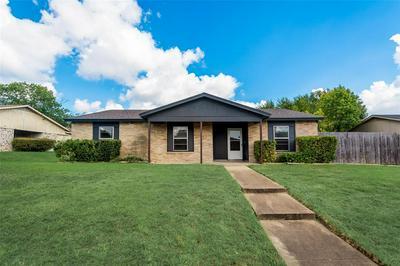 1121 SOUTHRIDGE DR, Lancaster, TX 75146 - Photo 2