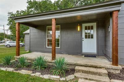 900 RITCHEY ST, Gainesville, TX 76240 - Photo 2