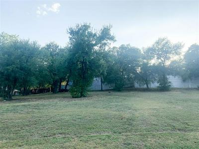 848 NEWPORT RD, Fort Worth, TX 76120 - Photo 2