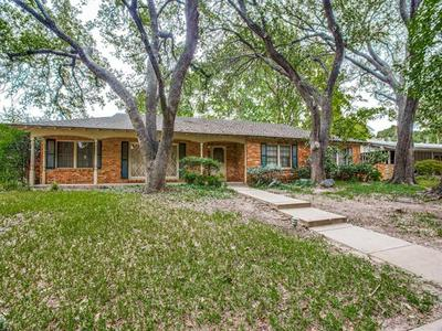 2701 HARTWOOD DR, Fort Worth, TX 76109 - Photo 2
